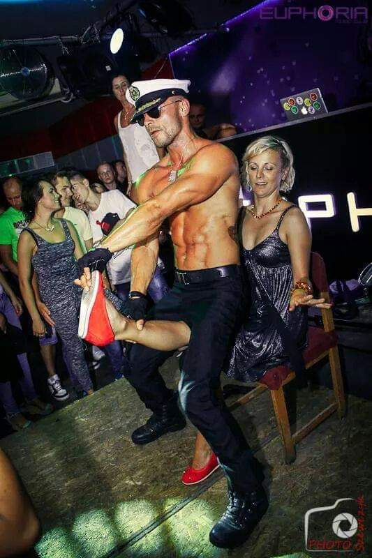 Male strippers needed